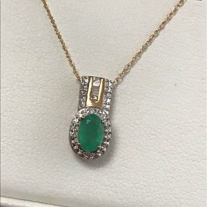 10k Gold Emerald Diamond Pendant & Necklace